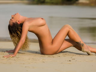 MissSloane Extremely XXX Girls-Im a romantic sweet