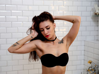 AlureYoung Free sex on webcam-Sexy brunette kitty