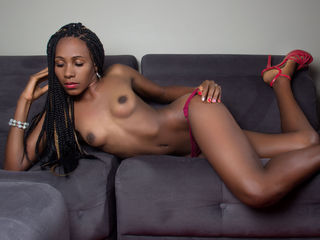 KeniaLee -hello guys found an