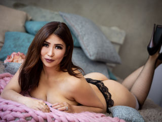 AmiliannaX -Hello everyone I am