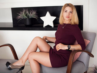 AveryBritt Tremendous Real Sex chat-I am hot sweet