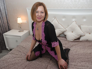 SoffieCute Real Sex chat-A hot red-head lady