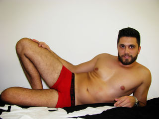 Voir le liveshow de  Johnchristian de Livejasmin - 27 ans - I would love to be Your little puppy! Watch me do the tricks for You!