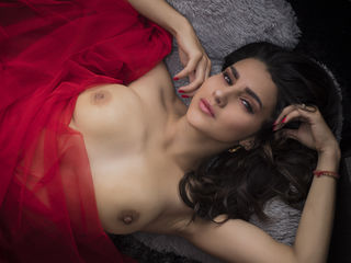 KMERONFOSTER -I am a girl lover of