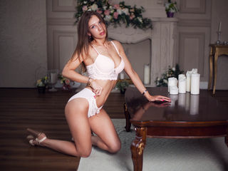 BeautyMishell -Gorgeous playful