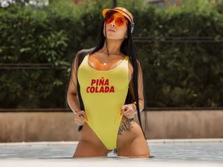 HollyGarcia Marvellous Big Tits LIVE!-I am a smart