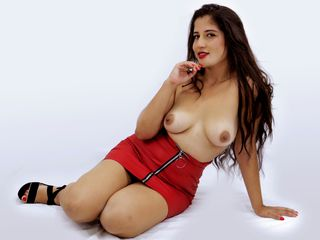 LisaRoberts Marvellous Big Tits LIVE!-A big smile what a
