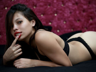 AVARICARDI Latina Teen Webcam Model