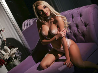 GlamorousHillary -Be my gentleman and