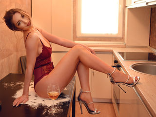 BlairNova ,  girl Cams , Take me out on a fancy dinner, get yourself under