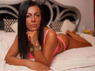KareyJon -Hot brunette ready