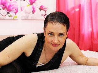 Webcam model BellaRipe from Web Night Cam