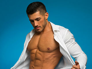 Voir le liveshow de  MuscularMaster de Livejasmin - 27 ans - Superior muscle quality right here, ready to flex ,pose and strip down to adam suit like  ...