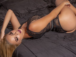 AbrilMoore Live cams chat-I am a very sociable