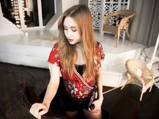 LeeSims Marvellous Big Tits LIVE!-I m a cute and