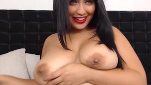 Biggest Boobs Ready To Seduce You Livecam