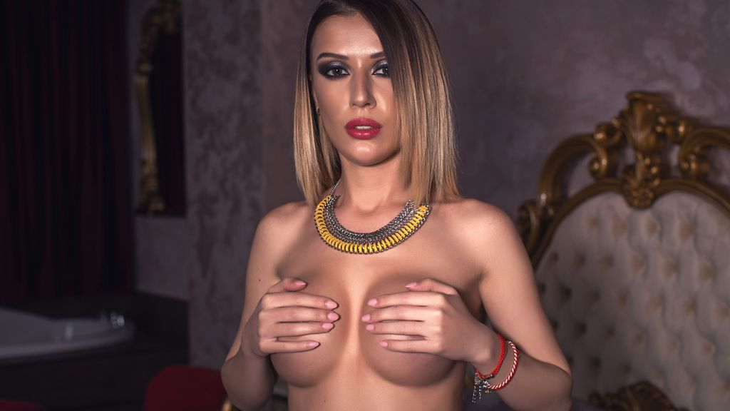 AlessiaSxx online at GirlsOfJasmin