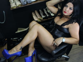 Webcam model UrMissHera from Jasmin