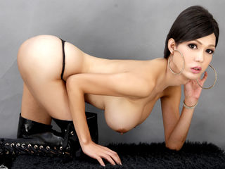 shemale cam model image - miracleTRANNYx