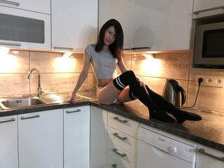 BrunetteRia06 Adults Only!-Hello guys My name