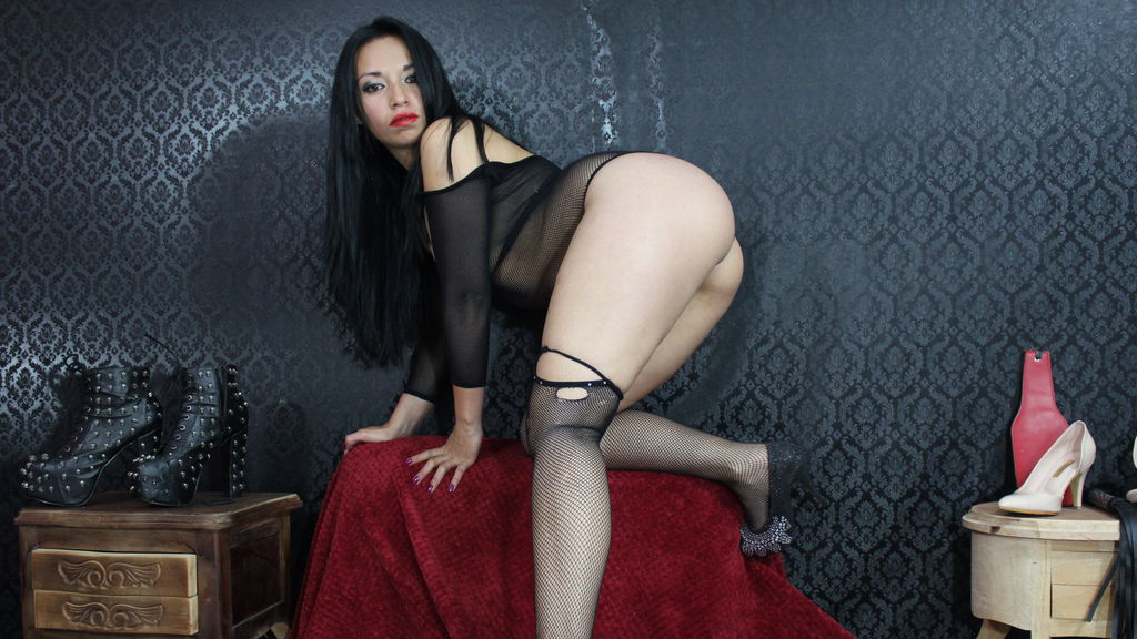 Watch the sexy TINYNOLIMITLUNA from LiveJasmin at GirlsOfJasmin