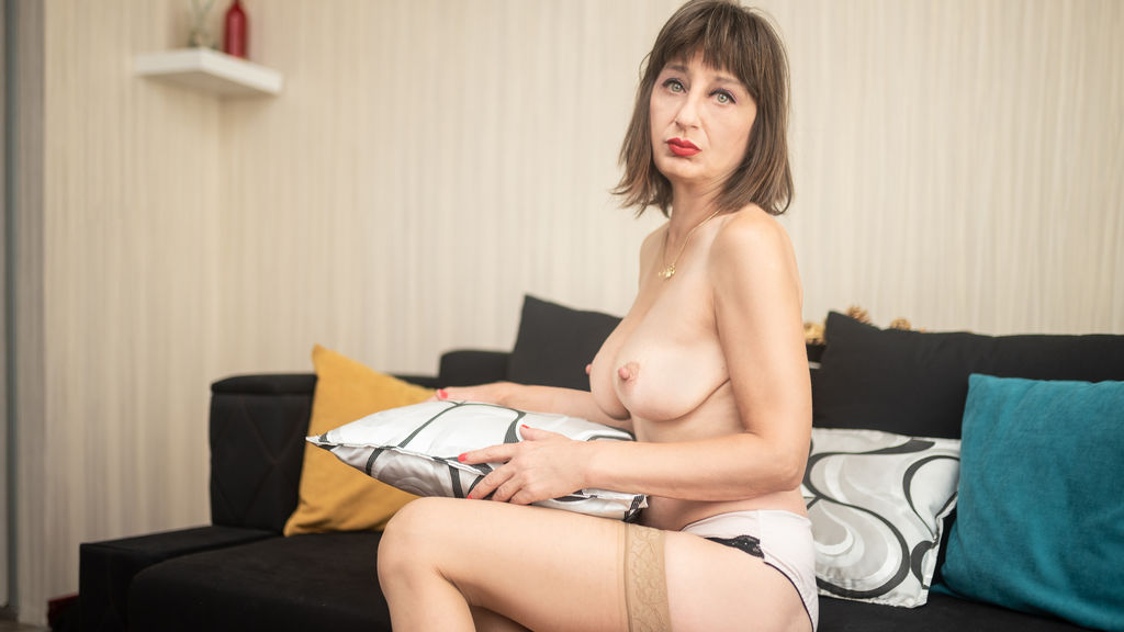 Watch the sexy WildAnneMILF from LiveJasmin at GirlsOfJasmin