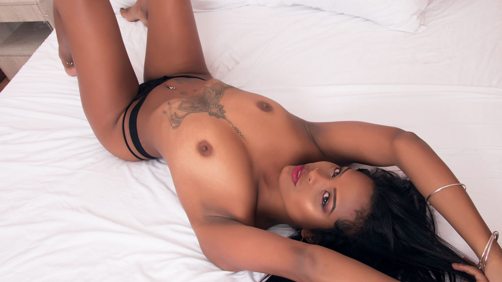 Watch the sexy SusanaMendez from LiveJasmin at GirlsOfJasmin
