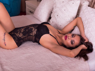 Webcam model AlisMoreau from Web Night Cam