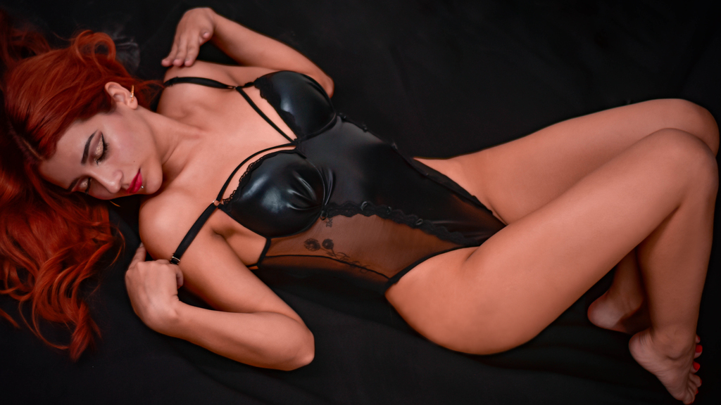 Watch the sexy MariaHarper from LiveJasmin at GirlsOfJasmin