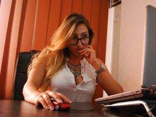 Webcam model LauraaSexyy from Web Night Cam