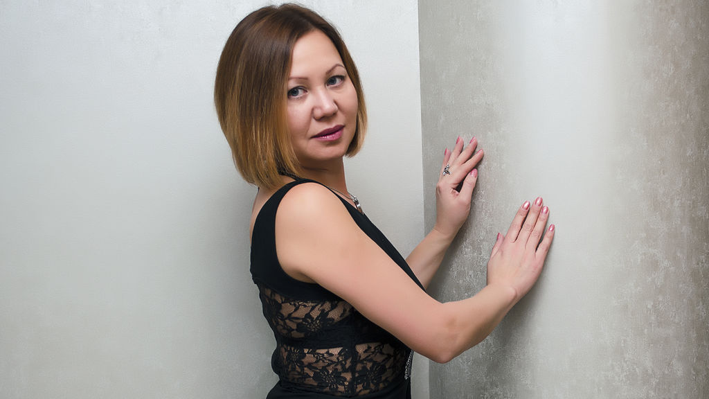Watch the sexy MiraclleFlower from LiveJasmin at GirlsOfJasmin