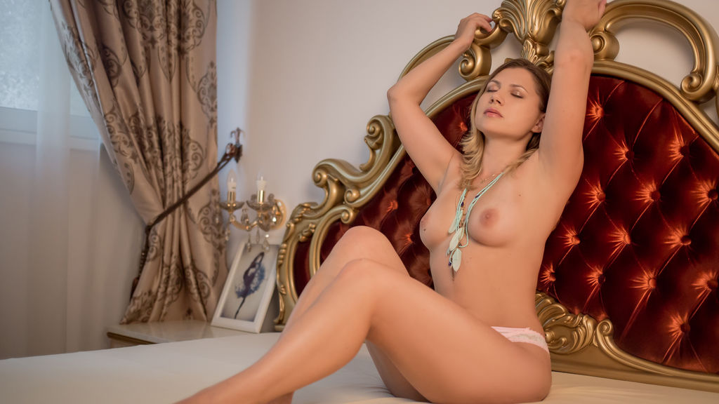 ElizaMonne's profile from LiveJasmin at GirlsOfJasmin'