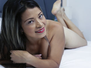 Webcam model TaniaKeeler from Web Night Cam