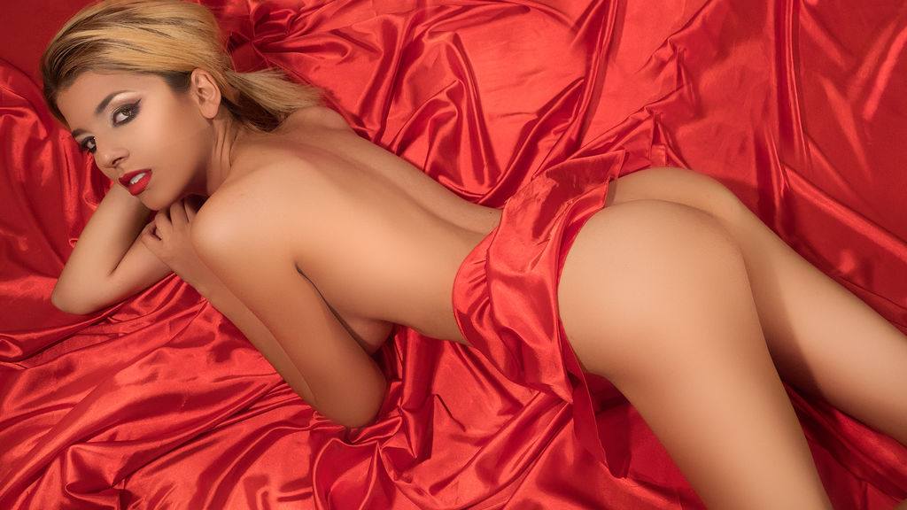 Discover and Live Sex Chat with JasmineVelvet on Live Jasmin