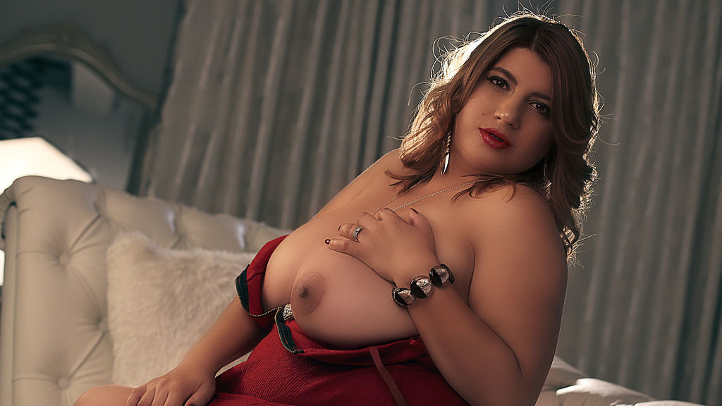 FancyVictoria online at GirlsOfJasmin