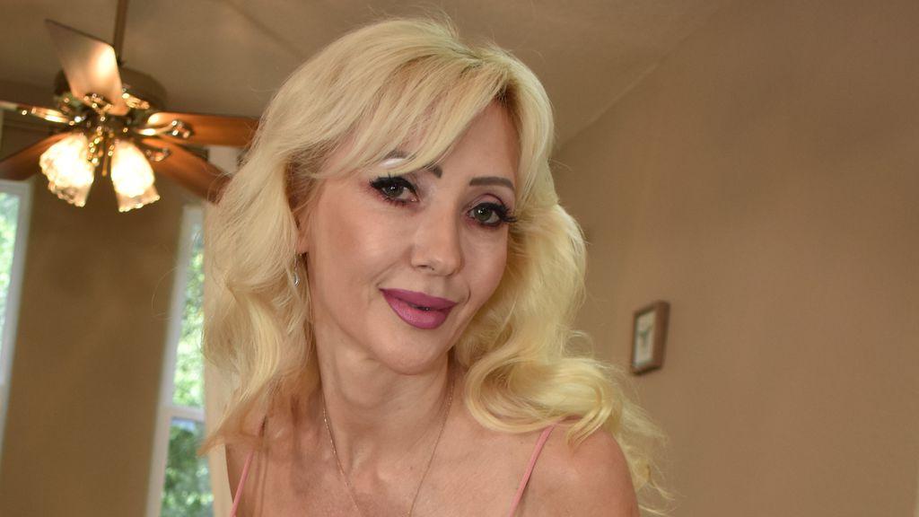 VictoriaLobov webcam performer profile at GirlsOfJasmin - Complete list of cam models