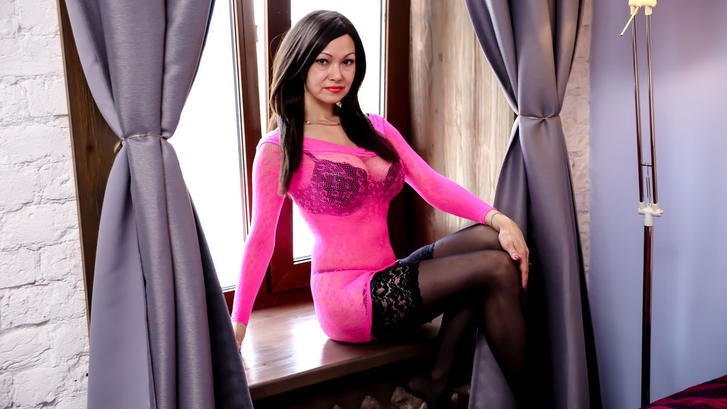 Watch the sexy QuinaJohns from LiveJasmin at GirlsOfJasmin