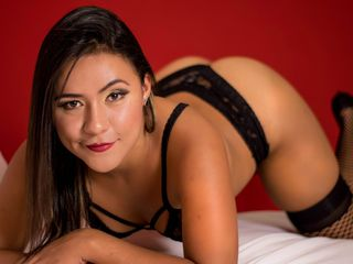 DemmyBrownn Latina Webcam girl