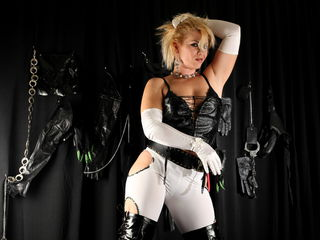 DommeAliceX: Live Cam Show