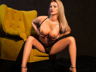 Webcam model LOVELYBLONDIExx from Web Night Cam