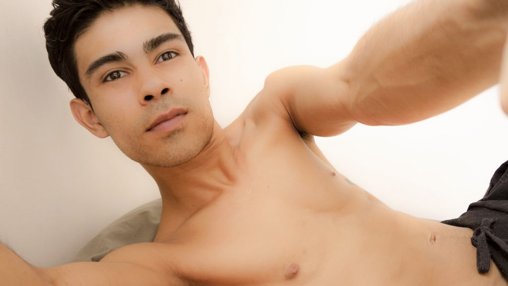 Statistics of alejosexylatin cam girl at BoysOfJasmin