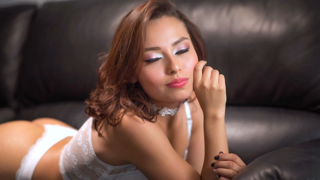 Watch the sexy GiaHazel from LiveJasmin at GirlsOfJasmin