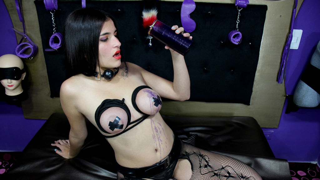 Watch the sexy BDSMGIRLDIRTY from LiveJasmin at GirlsOfJasmin