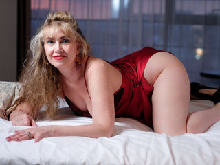 Webcam model LadyMariahx from Web Night Cam