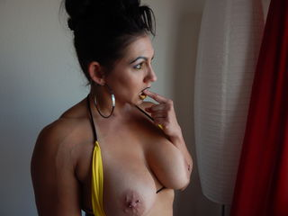 Webcam model QueenKarma from Jasmin
