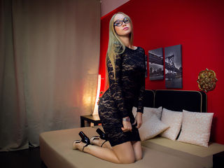 Webcam model LolaMur from Web Night Cam (LiveJasmin)