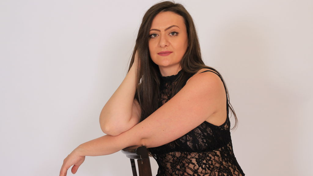Watch the sexy SeleneJessie from LiveJasmin at GirlsOfJasmin