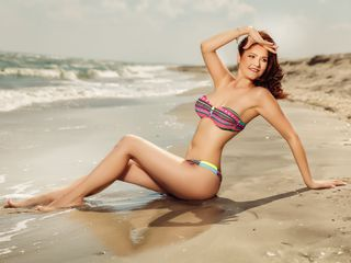 KristyAnnaGloria LiveJasmin-My kinky mind is yet
