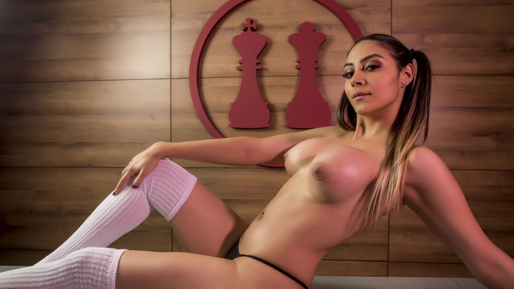 Watch the sexy MiaColeman from LiveJasmin at GirlsOfJasmin